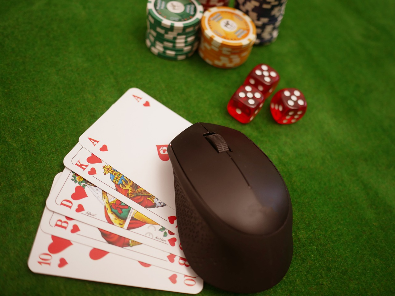 Just How To Cheat While Playing Cards?